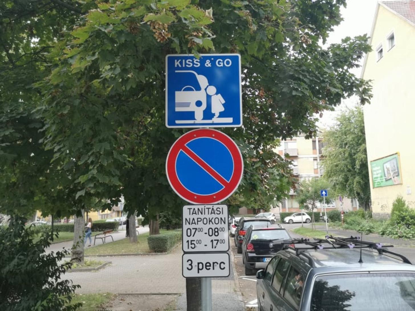 """""""Kiss & go"""" rendszerű parkolóhelyeket alakítottunkki"""